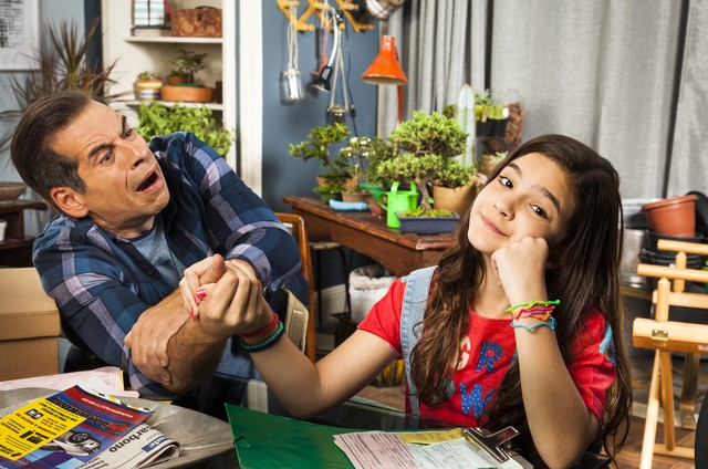 Leandro Hassum  e Mel Maia nos bastidores de 'A cara do pai' (Foto: Globo/Estevam Avellar)