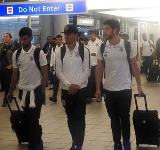 Corinthians aeroporto Orlando (Foto: Marcelo Braga)