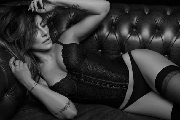 Cleo Pires faz ensaio sexy para grife de lingerie (Foto: Divulgação)