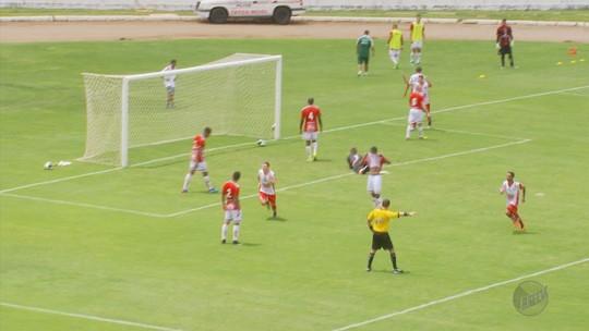 Uberaba vence o Boa Esporte por 2 a 1 e assume a ponta no Módulo 2