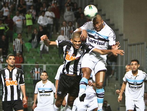 Leonardo Silva em lance de Atlético-MG x Grêmio (Foto: Bruno Cantini / Flickr do Atlético-MG)