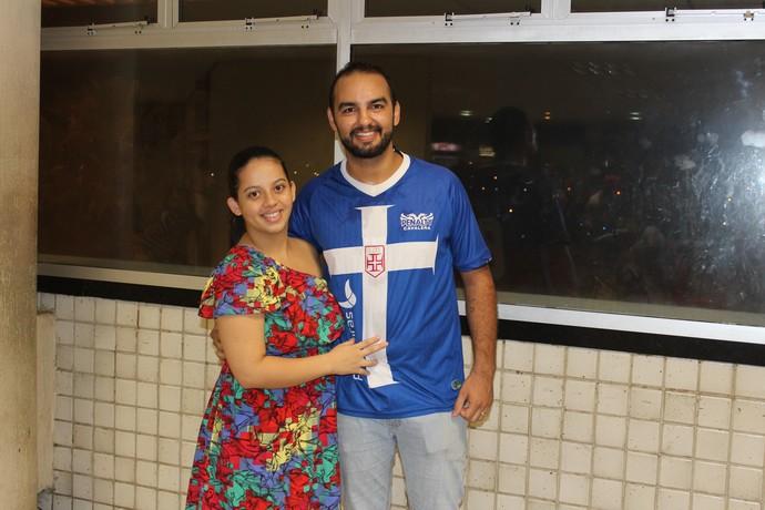 Gustavo Emanuel, vascaíno, com a mulher, Ligielle Fernanda (Foto: Wenner Tito )