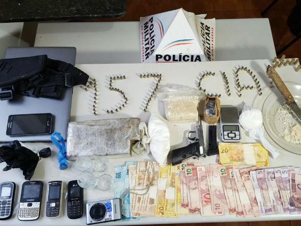 Tráfico em Monte Carmelo (Foto: Polícia Militar/ Divulgação)