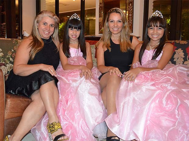 Elizabeth Lemos, Júlia Lemos, Joanna Real e Júlia Real, Ribeirão Preto (SP) (Foto: Fernanda Testa/G1)