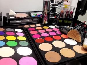 Senac de Cascavel oferece curso de maquiador e cabeleireiro assistente (Foto:  Luciane Kohlmann/RBS TV)