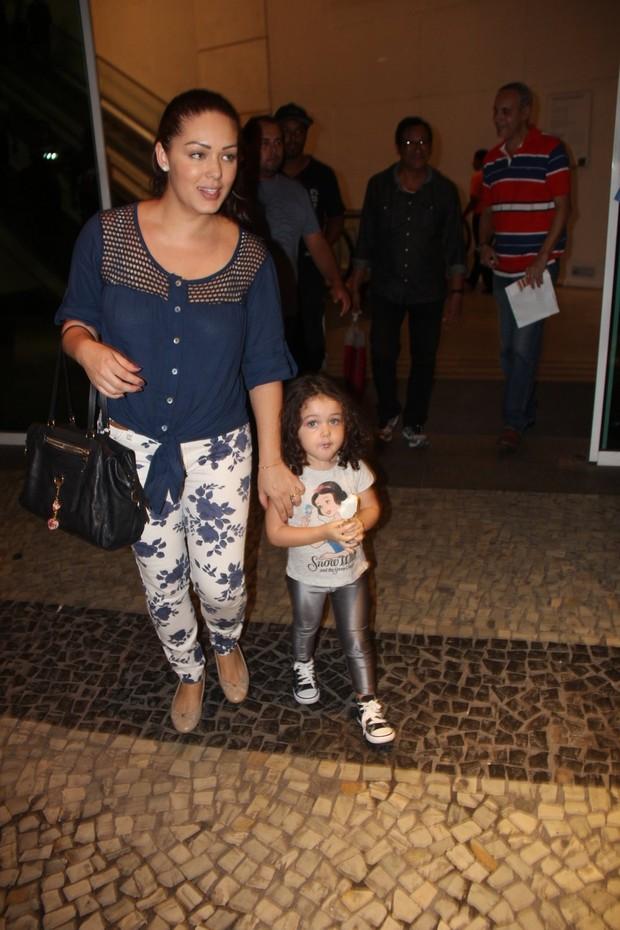 Tânia Mara e a filha (Foto: Rogerio Fidalgo / AgNews)