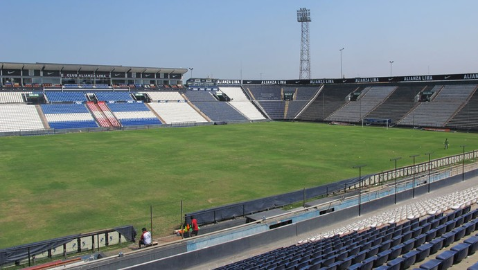 Estádio Alejandro Villanueva Alianza Lima (Foto: Gustavo Rotstein / Globoesporte.com)