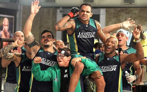 Besouro e Pedro Iriê luta TUF 2  (Foto: Divulgação / UFC)