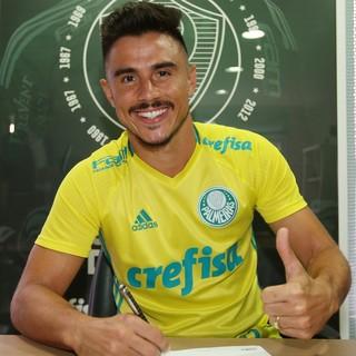 8de337f85 Willian assina contrato por três anos com o Palmeiras