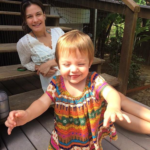 Malvino mostra a filha fofa com a mulher, Kyra (Foto: Instagram / Reprodução)