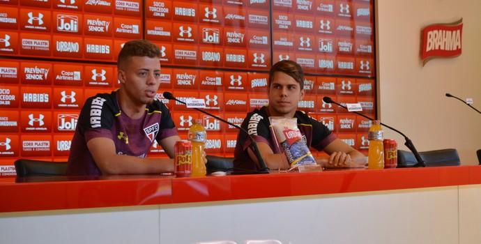Lucas Fernandes e Araruna entrevista São Paulo (Foto: Érico Leonan/saopaulofc.net)