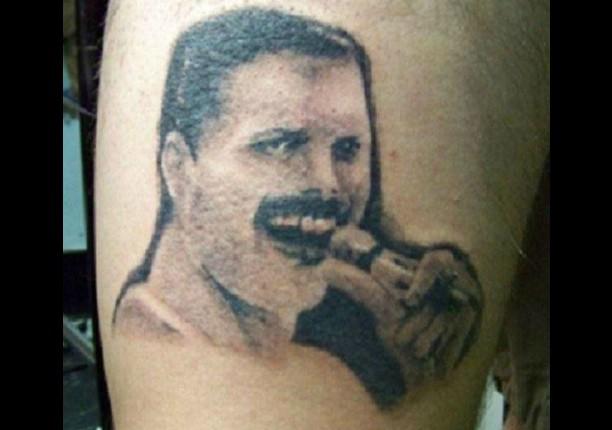 Pobre Freddie Mercury... (Foto: Reddit)