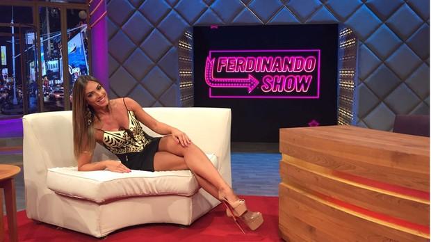 Nicole Bahls no Ferdinando Show (Foto: Multishow)