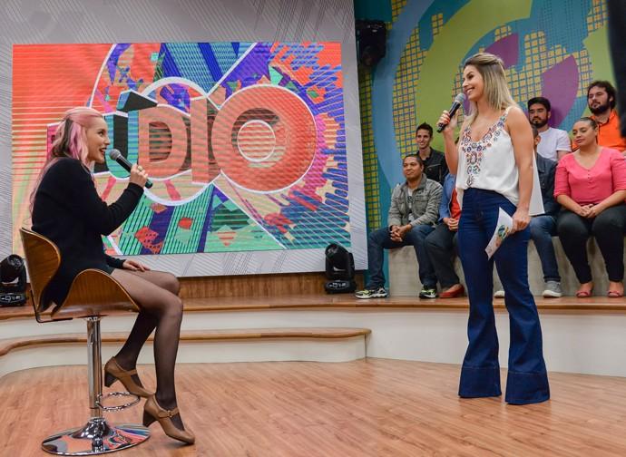 Aline Mendes The Voice Brasil Estúdio C (Foto: Priscilla Fiedler/RPC)