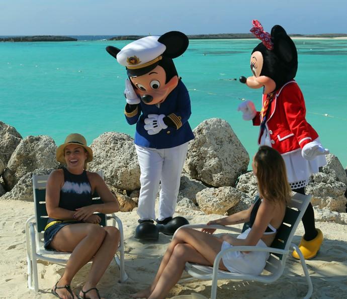 Angélica e Isabelle Drummond em ilha paradisíaca (Foto: Thiago Fontolan / Gshow)
