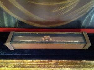 Pedaço de osso de Anchieta em relicário no Palácio (Foto: Amanda Monteiro/ G1 ES)