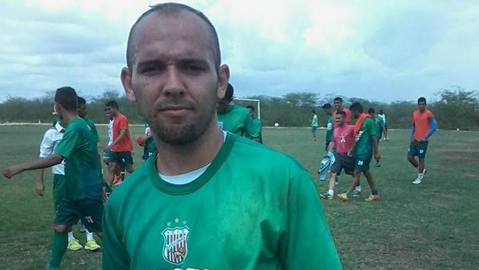 Fabinho Cambalhota - baraúnas (Foto: Gilberto Dantas/Divulgação)