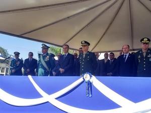 Autoridades durante solenidade alusiva aos 180 da PM-MS (Foto: Graziela Rezende/G1 MS)