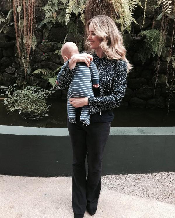 Mariana Ferrão com o filho João (Foto: Reprodução / Instagram)