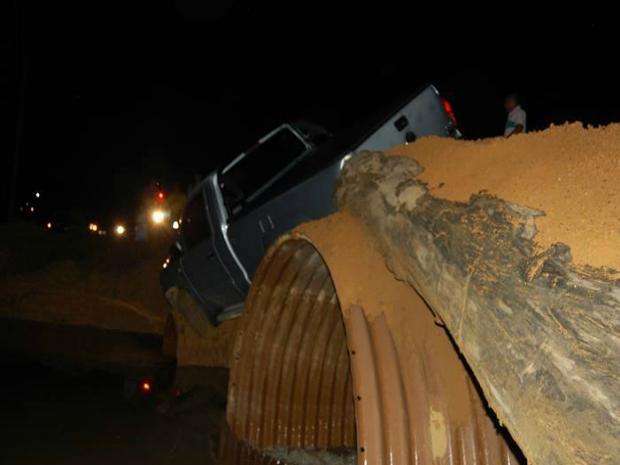 Motorista de caminhonete apresentava sinais de embriaguez (Foto: Alerta Notícias/Reprodução)
