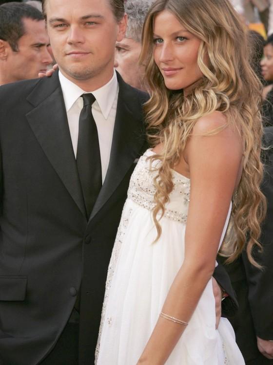 Leonardo DiCaprio e Gisele Bündchen posam na época em que eram namorados (Foto: Getty Image)