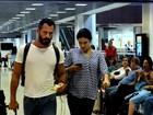Malvino Salvador e Kyra Gracie embarcam no Rio