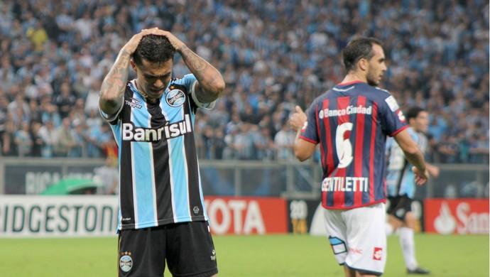 gremio san lorenzo libertadores arena choro dudu (Foto: Diego Guichard/GLOBOESPORTE.COM)