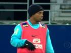 Neymar revela ter vergonha de ficar ao lado do ídolo Ronaldinho Gaúcho