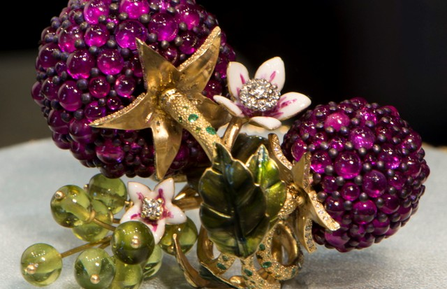 Dolce & Gabbana made their collection of jewels as juicy and succulent as ripe fruit. (Foto: DOLCE & GABBANA)
