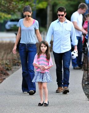 Suri com Tom Cruise e Katie Holmes (foto de arquivo) (Foto: Agência/Getty)