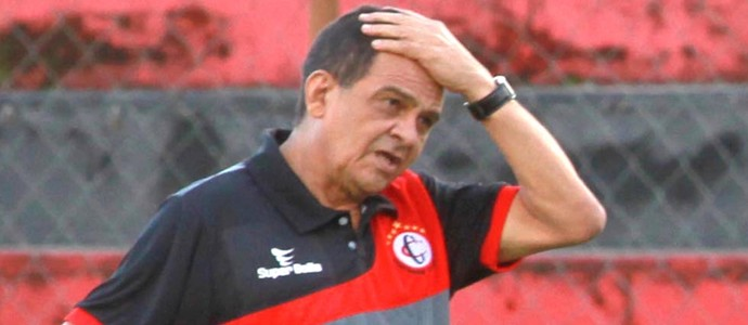 Francisco Diá, treinador do Campinense (Foto: Junot Lecet Filho / Jornal da Paraíba)
