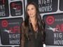 Demi Moore usa look transparente e mostra demais em prmio