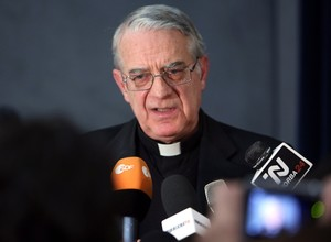 Federico Lombardi, porta-voz do Vaticano (Foto: Getty Images)