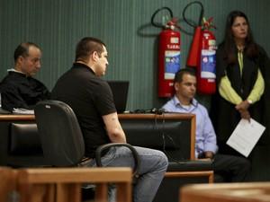 Julgamento de Sérgio Costa Júnior , cabo PM acusado de assassinar a juiza Patricia Acioly em agosto de 2011. O julgamento esta ocorrendo no Fórum de Niterói. (Foto: Fabiano Rocha / Extra / Agência O Globo)