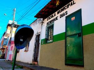 Escola Henrique Dias pega fogo em Itabuna, na Bahia (Foto: Maurício Maron)