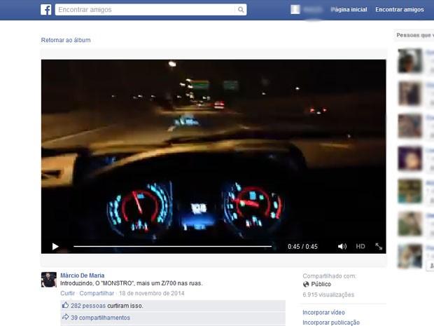 Vídeo postado publicamente nas redes sociais mostra Camaro preto em teste em 2014; mesmo veículo ficou destruído na terça-feira (12) em acidente na Marginal Pinheiros (Foto: Reprodução / Facebook)