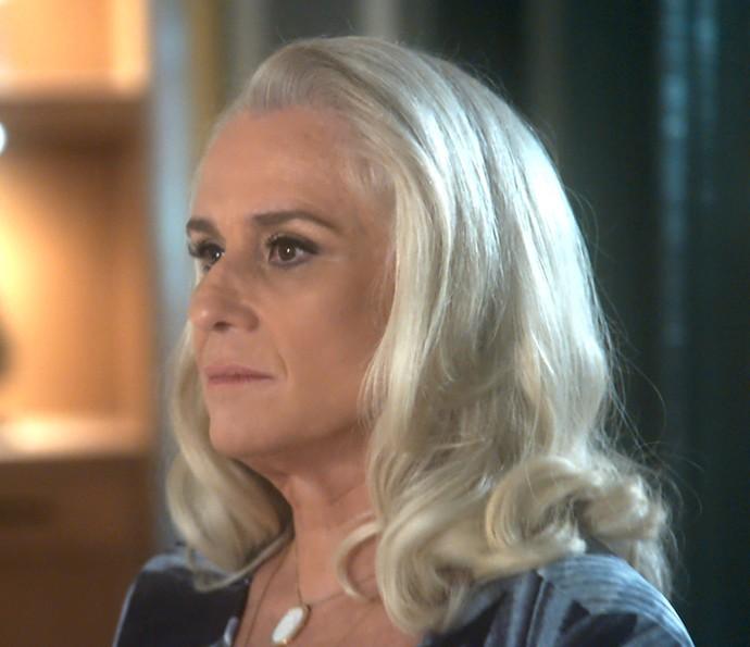 Mág descobre que Luciane tem caso com Venturini (Foto: TV Globo)