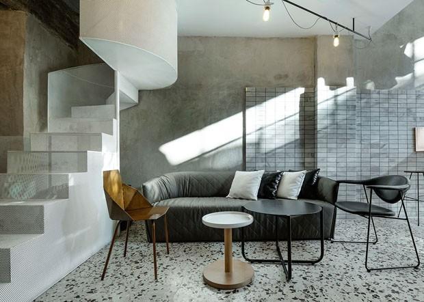 Décor do dia: Sala de estar industrial com marmorite (Foto: Nikos Vavdinoudis-Christos Dimitriou.)