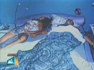 PC Farias e a namorada foram encontrados mortos na casa de praia, em Guaxuma. (Foto: Reprodução/TV Gazeta)