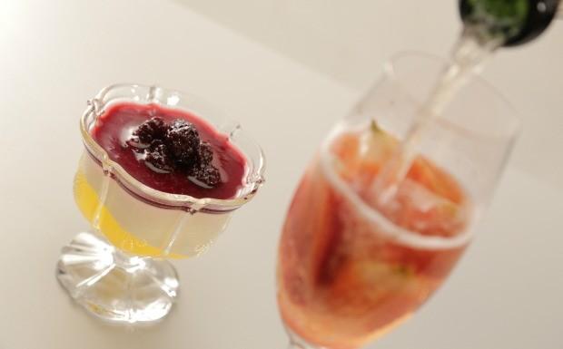 Que Seja Doce - Ep. 14 - Drinques e bebidas - Panna cotta de limo-siciliano com ponche de espumante com morango (Foto: Divulgao)