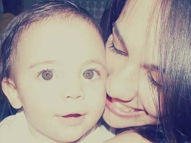 Maria Isabel Ferreira de Andrade divide o tempo entre os estudos e os cuidados com o bebê (Foto: Maria Isabel Andrade/Arquivo pessoal)