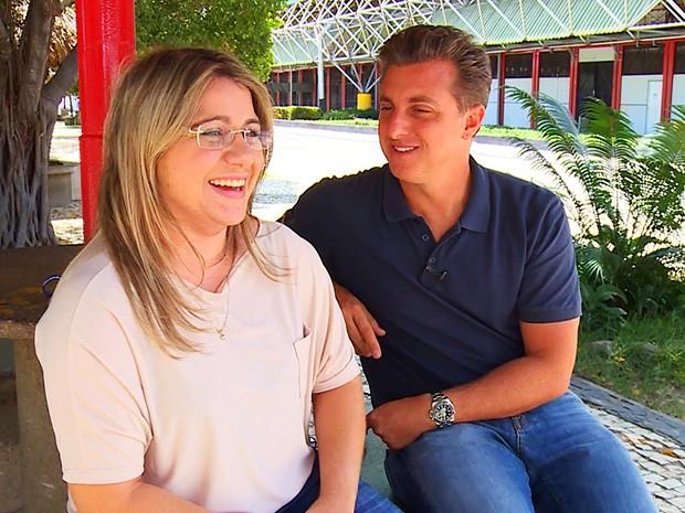 Alanna Isabella fala sobre o pai com Luciano Huck (Foto: Caldeirão do Huck/TV Globo)