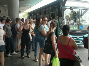 Paralisação deixou o Ticen lotado nesta quinta-feira (Foto: José Lino/RBS TV)