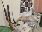 Ação da polícia resulta em apreensão de 60 kg de drogas, armas e 20 prisões