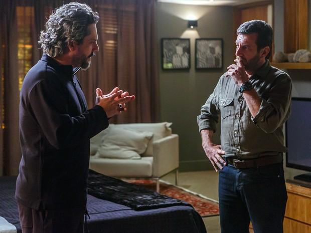 José Alfredo pede para Josué localizar curandeiro do Monte Roraima (Foto: Artur Meninea/Gshow)