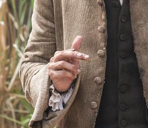 Detalhe das unhas sujas de Raposo, personagem de Mateus Solano (Foto: Inácio Moraes / Gshow)