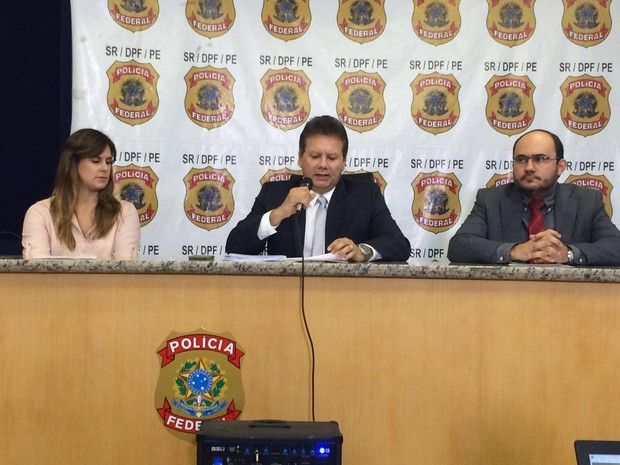 Polícia Federal em PE deu detalhes da Operação Turbulência nesta terça-feira (21), no Recife (Foto: Thays Estarque/G1)