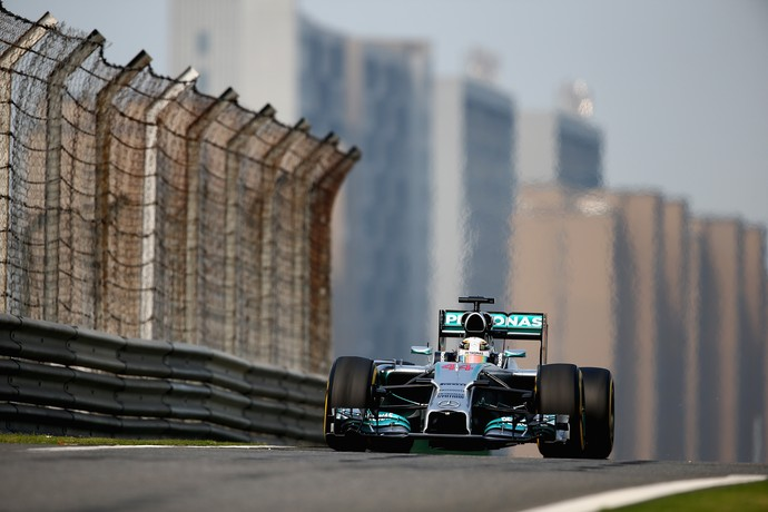Lewis Hamilton, treino GP da China (Foto: Getty)
