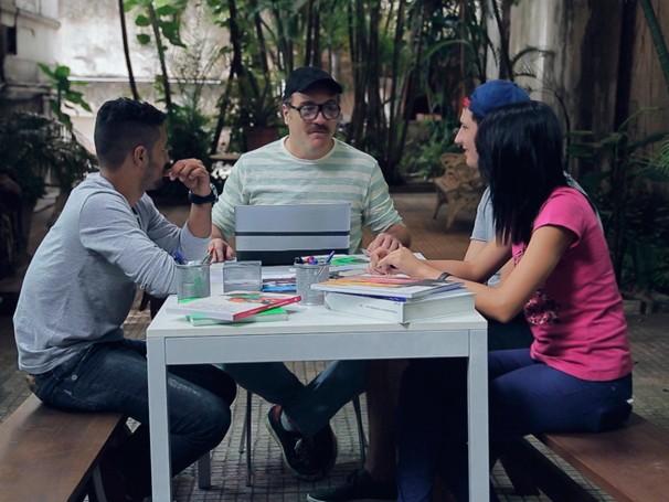O diretor de TV Beto Câmara convocou sua equipe para mais uma edição do Tá no Quadro (Foto: Globo)