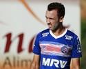 Thiago Ribeiro supera depressão e espera por chance no Santos em 2017